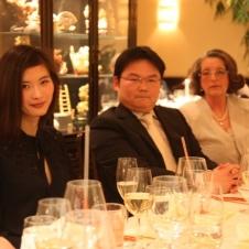 Aufmerksame Zuhörer v.l. Frau Tian Shuheng, HCG-Vize-Präsident CHEN Qiuyi, HCG--Präsidentin A.-E. Schöttler, Corinna Nienstedt, Handelskammer Hamburg